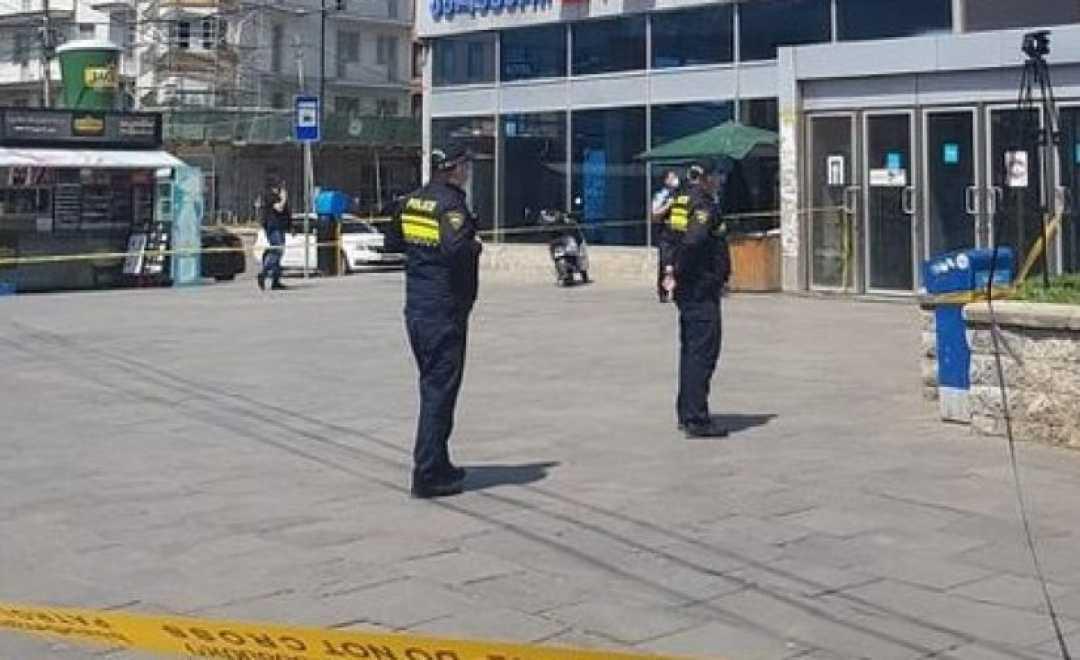 """პოლიცია """"საქართველოს ბანკში"""" შევიდა - სპეცოპერაცია ავლაბარში"""